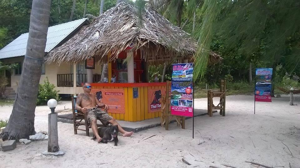 Honza s Tekim si na ostrove Kho Phangan otvorili cestovku