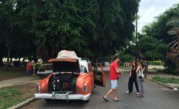 Kuba – krajina dvoch mien a prázdnych regálov